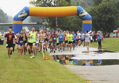 Photos: a wet day for a 5K